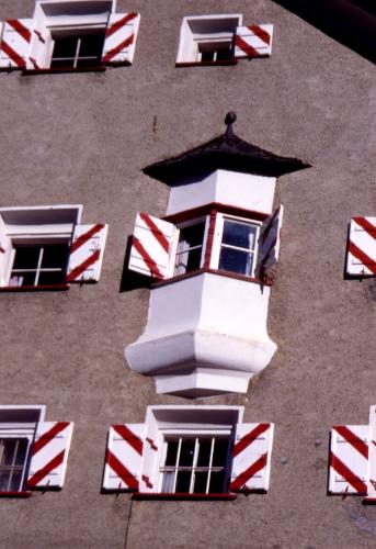 HJH_Fassadendetail_1998_Bernd Schroeder